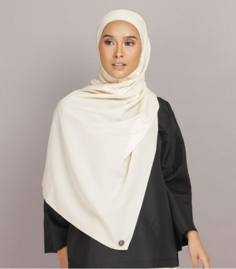 Shania Eyelash Shawl Cream